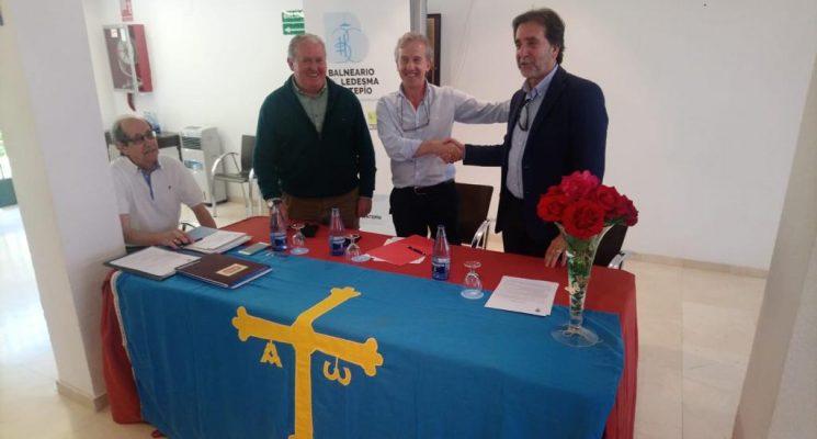 Firmado acuerdo de colaboración con el Centro Asturiano de Salamanca